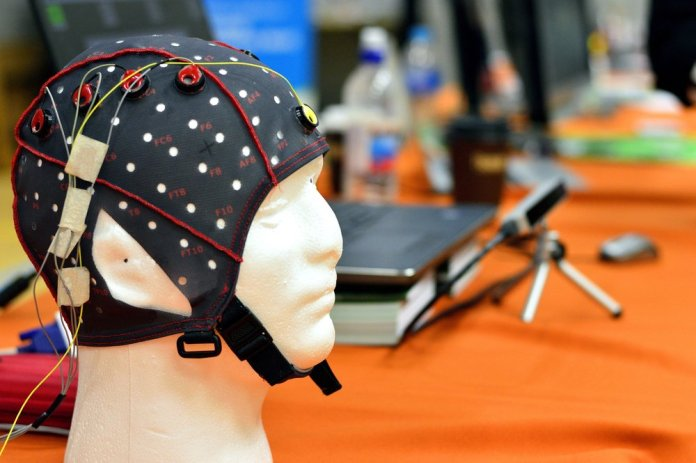 The EEG-based method can measure hearing as well as speech understanding and doesn't require active participation from the patient | © Shutterstock