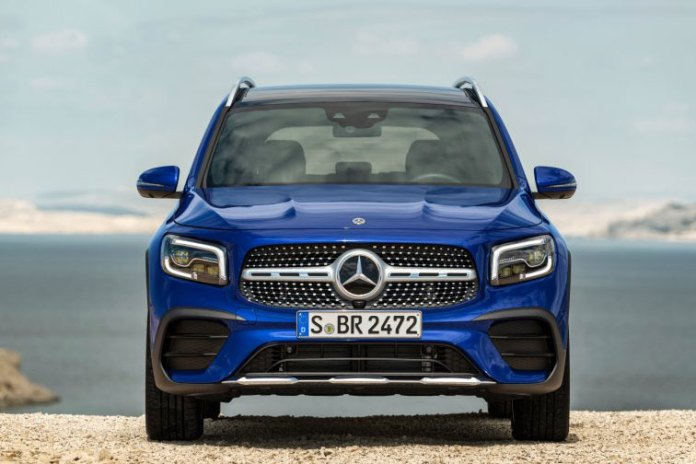 2020 Mercedes-Benz GLB front view