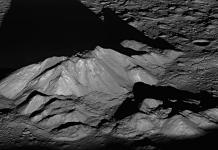Peaks within the moon's Tycho Crater. (Credit: NASA Goddard/Arizona State University)