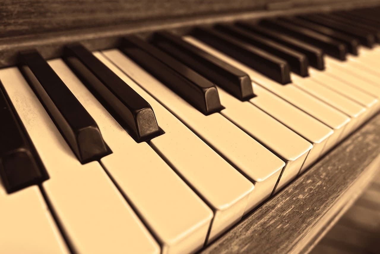 Music may offer an alternative to preoperative drug routinely used to calm nerves