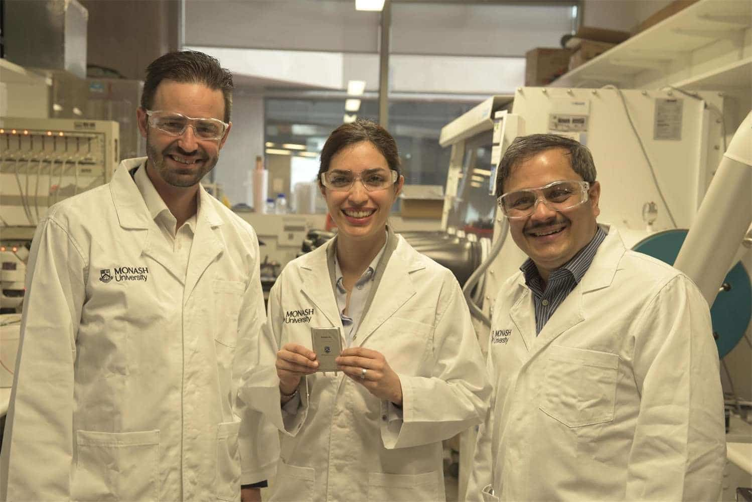 New lithium-sulphur battery makes cell phone work for five continuous days