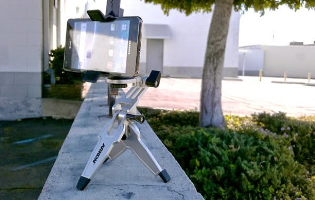 android-smartphone-tripod