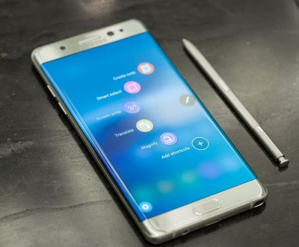 samsung-galaxy-note7-with-spen-hands-on-techfoogle.com