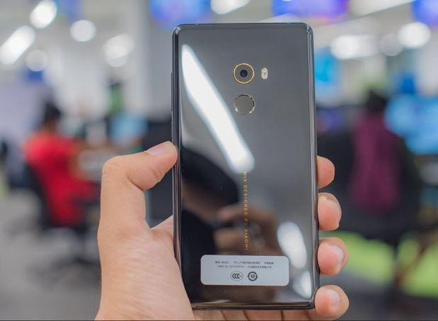 Xiaomi-Mi-Mix-2-back-camera-gold-ring-techfoogle