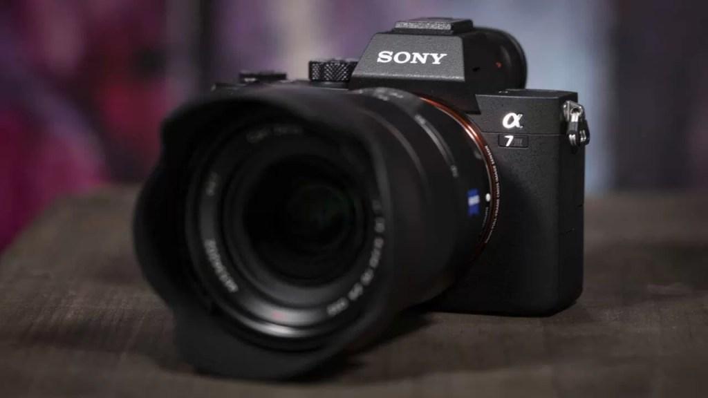Sony A7 III - Cel mai bun aparat foto mirrorless full frame