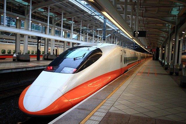 The shinkansen also called bullet train