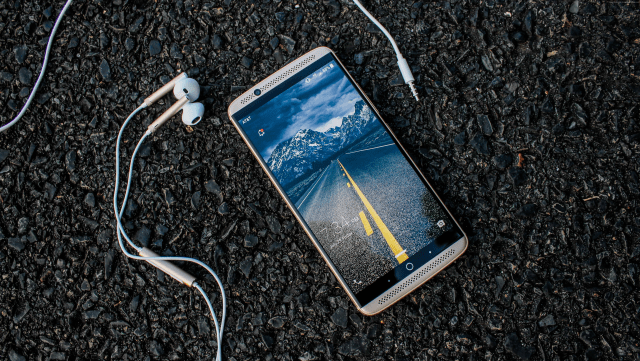 Do Apple Earbuds Work with Android