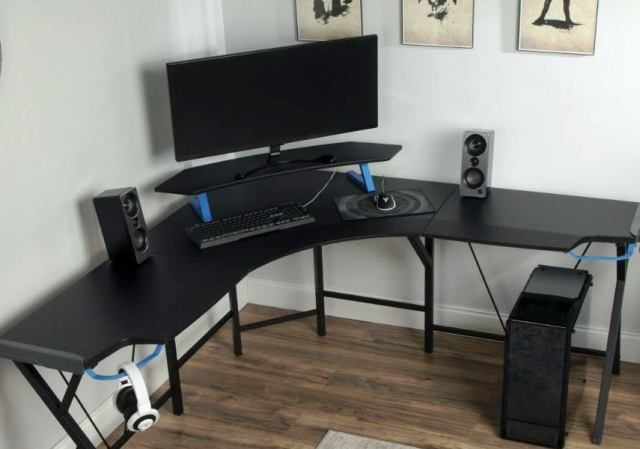 Are L-shaped desks good for gaming