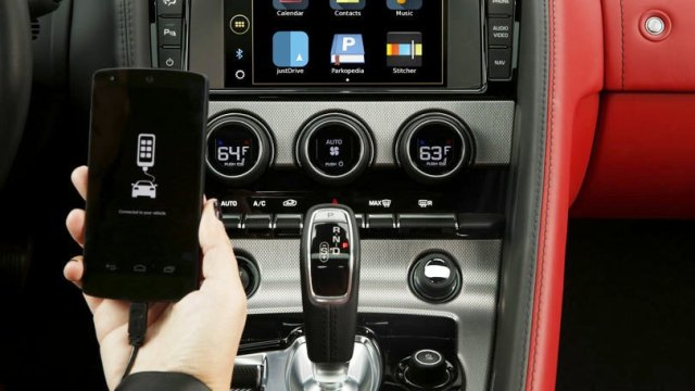 Before Buying a New Car Know Your Connectivity Options