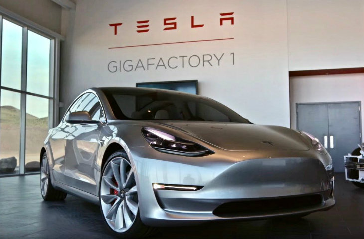 Model 3 üretimi