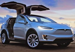 Tesla, Volvo'nun tasarımcısını işe aldı