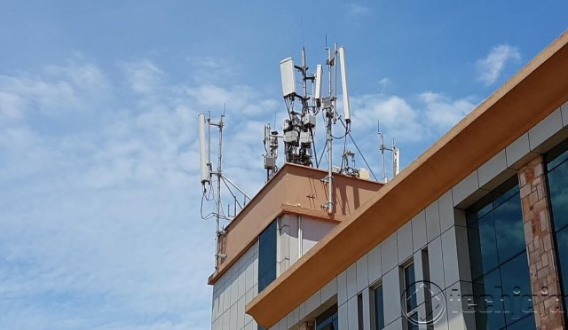 internet mast rooftop