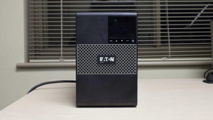 Eaton 5P750 Front