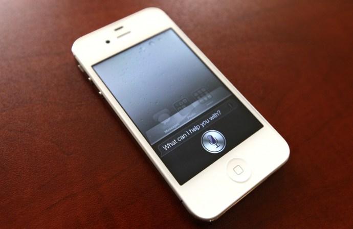 Apple-Siri-iPhone