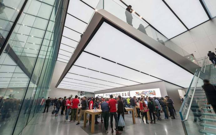 apple-store-west-lake-front-lower-level-press