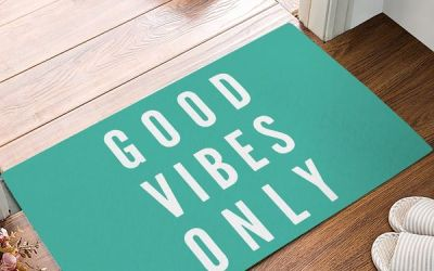 Funny Saying & Quotes: Good Vibes Only Entrance Mat