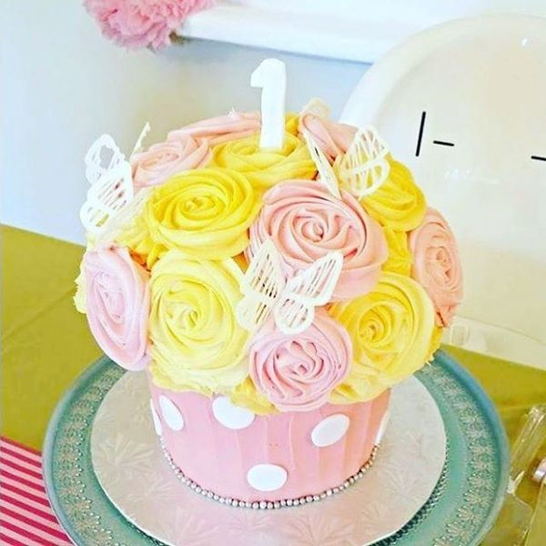 wonderful cake for first birthday