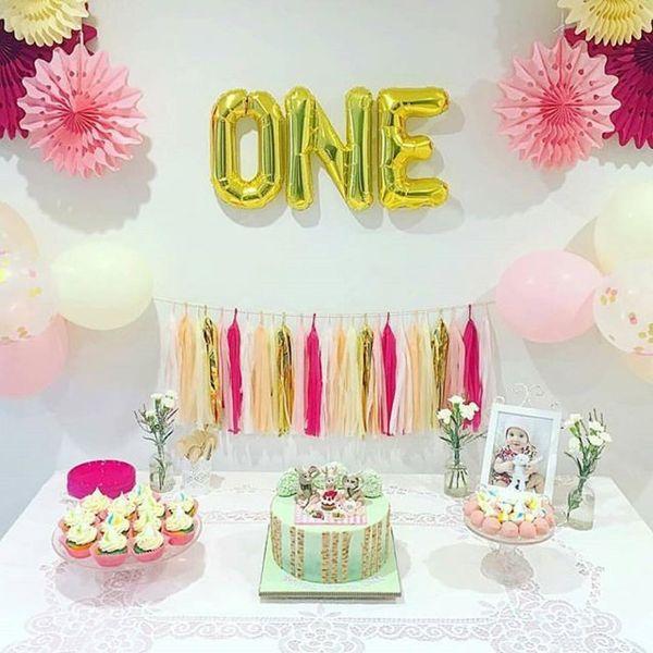 с первым днем рождения стол с тортами