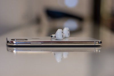 airpods connect to xbox one