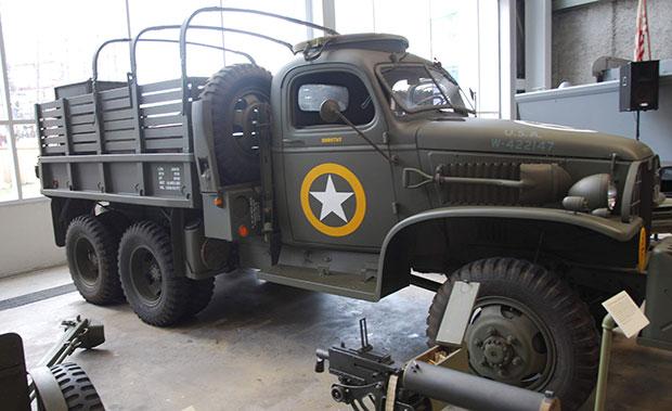 Camion GMC în Muzeul Național al II-lea Război Mondial din New Orleans