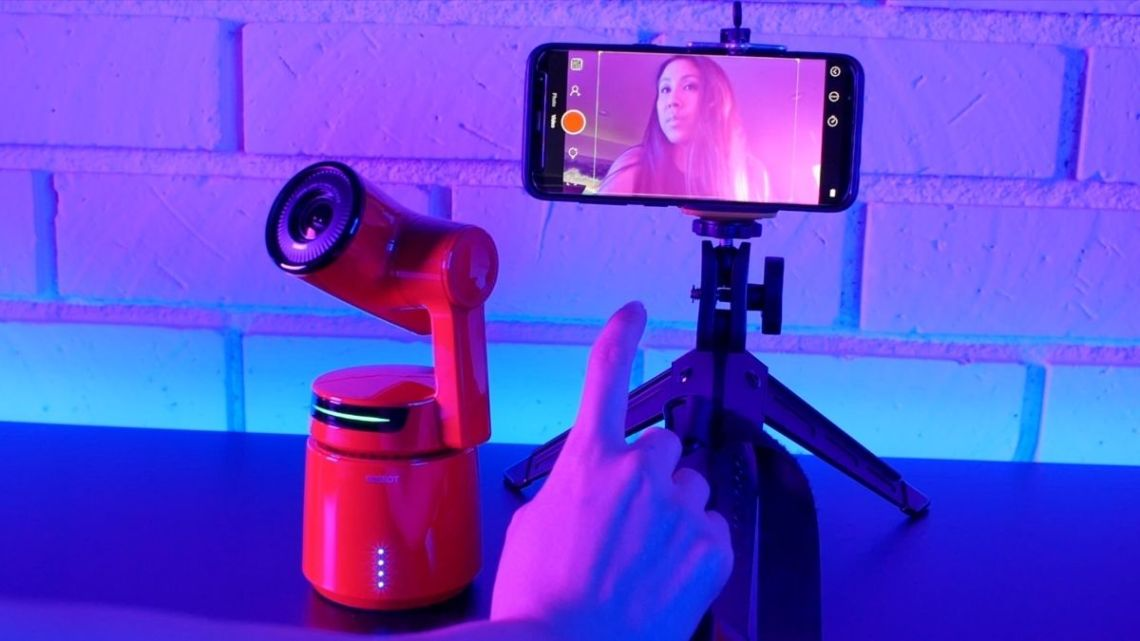 First Look at The World's First AI Auto-Director Camera