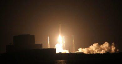 TechnoBlitz.it SpaceX è riuscita a realizzare un trasporto sulla I.S.S. e far ritornare il razzo di trasporto sulla Terra.