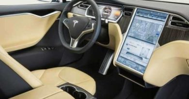 TechnoBlitz.it Hackerata Tesla Model S durante la guida
