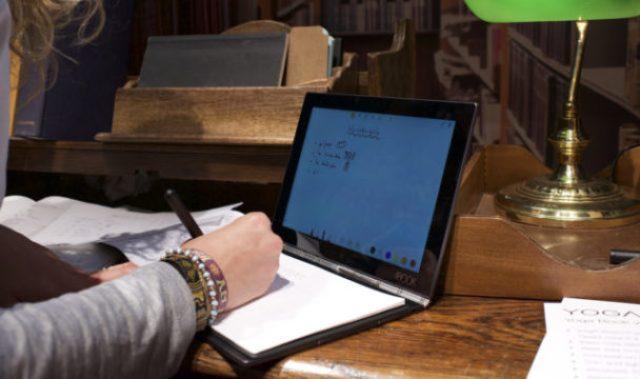 TechnoBlitz.it YOGA BOOK, Lenovo reinventa il portatile