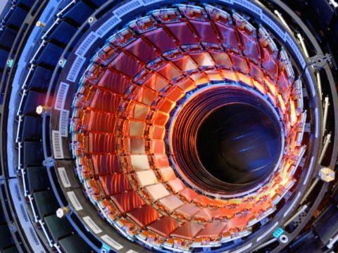 LHC: dove sarà il prossimo? Sfida tra Giappone e Cina