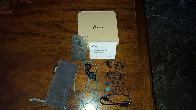 TechnoBlitz.it Recensione: cuffie auricolari bluetooth EP-B4 di Aukey