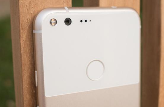Android 7.1.2 rompe il sensore di impronte di molti Google Pixel
