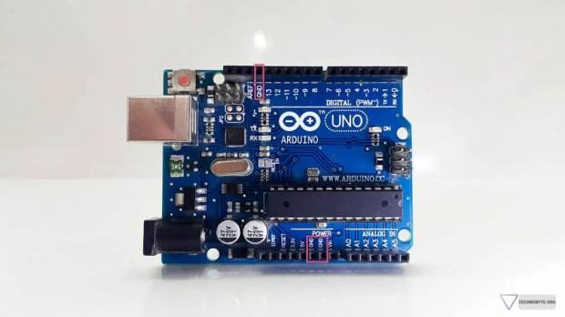 Arduino Uno - 3 ground pins