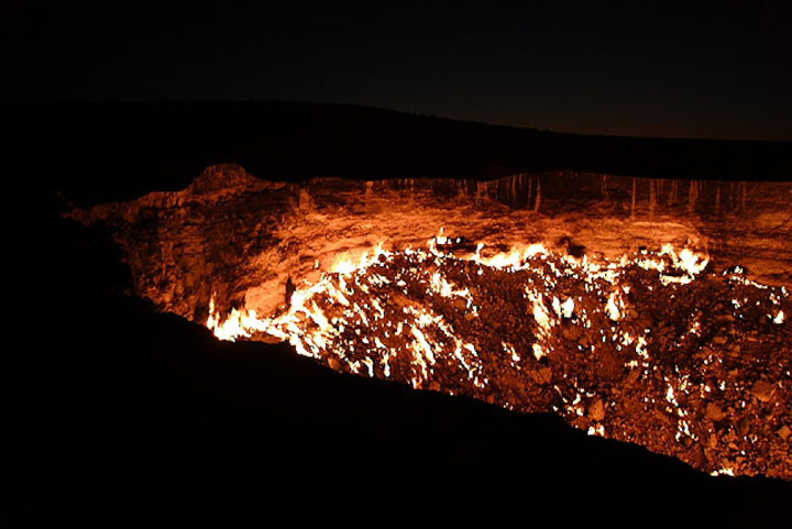 The evil hell hole in Turkmenistan-The 10 Most Scary Places On The Earth-9