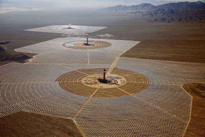 https://i1.wp.com/www.technocrazed.com/wp-content/uploads/2014/02/Ivanpah-Solar-Electric-Generating-System-world-largest-power-plant-17.jpg