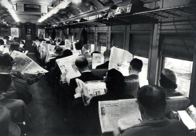 reading_on_train