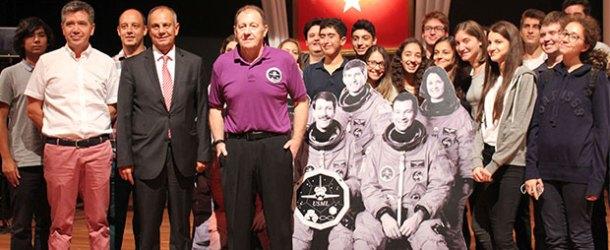 Türk Bayrağı'nı uzaya taşıyan astronot Yeditepe'deydi