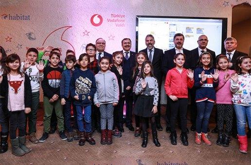 Vodafone, Afyonkarahisar'da kodlama öğretecek