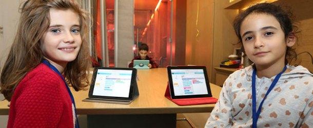 Turkcell çalışanlarının çocuklarına kodlama öğretiyor