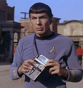 51_937-tricorder-spock