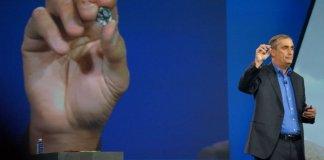 el CEO de Intel y el Módulo Intel® CurieT