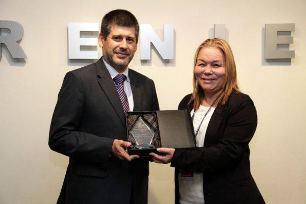 Premio a DNIe como mejor documento de identidad de América Latina en 2015 - 25jun15