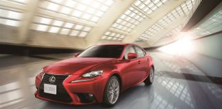 Lexus presenta el nuevo IS 200T