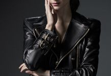 Francisca Valenzuela como host de Bios. Vidas que marcaron la tuya. Café Tacvba en National Geographic