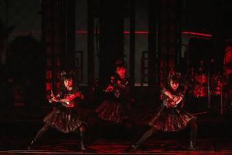 babymetal-world-tour-2016-legend-metal-resistance-red-night-001