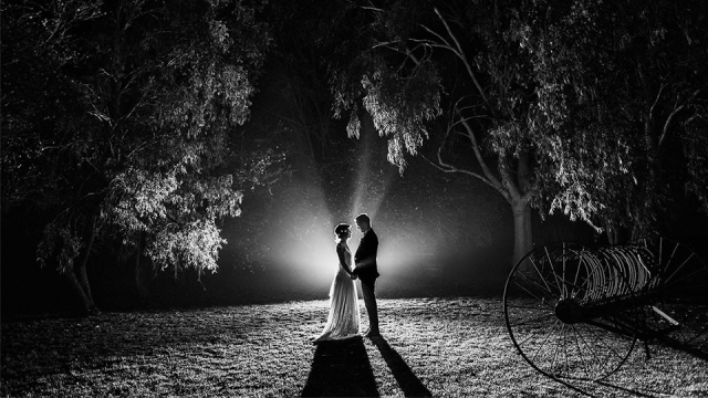 Let There Be Light 7 Posture Ideas for Wedding Photography
