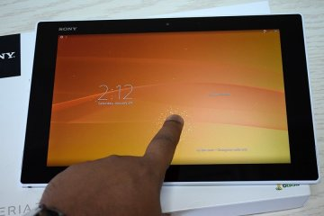 Xperia Z2 Tablet 9 - Sony Xperia Z2 Unboxing [Image Gallery]