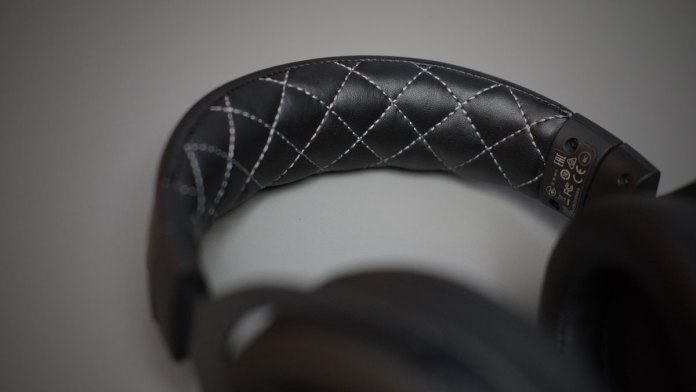Corsair HS70 SE Wireless Gaming Headset (7)
