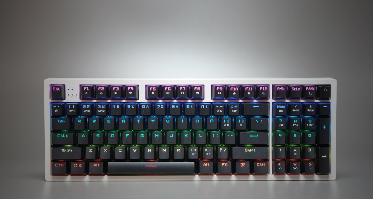 Review | EASY PC RAKK Ilis RGB 96 Key Mechanical Keyboard