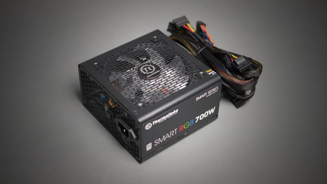 Thermaltake Smart RGB PSU 700W (4)