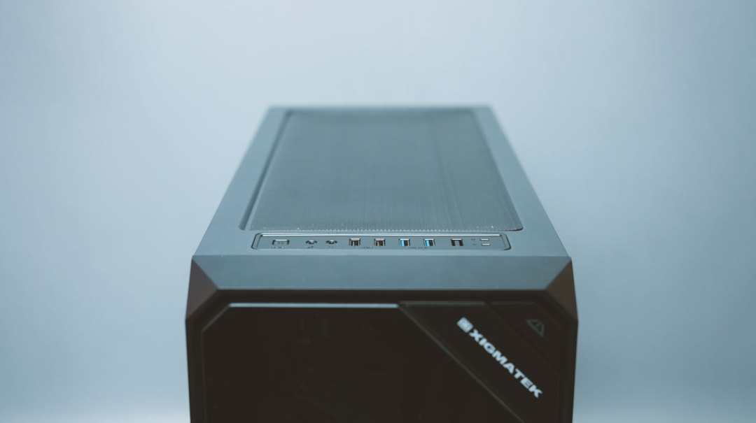Xigmatek Zest Tempered Glass RGB Case (3)